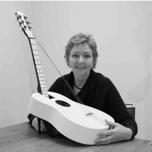 Artist Anne McGill with her Guitar