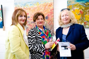 Margaret O'Connor, Cork City; Anne O'Neill, Clonakilty and Christel Uhl, Castlefreake at the exhibition opening